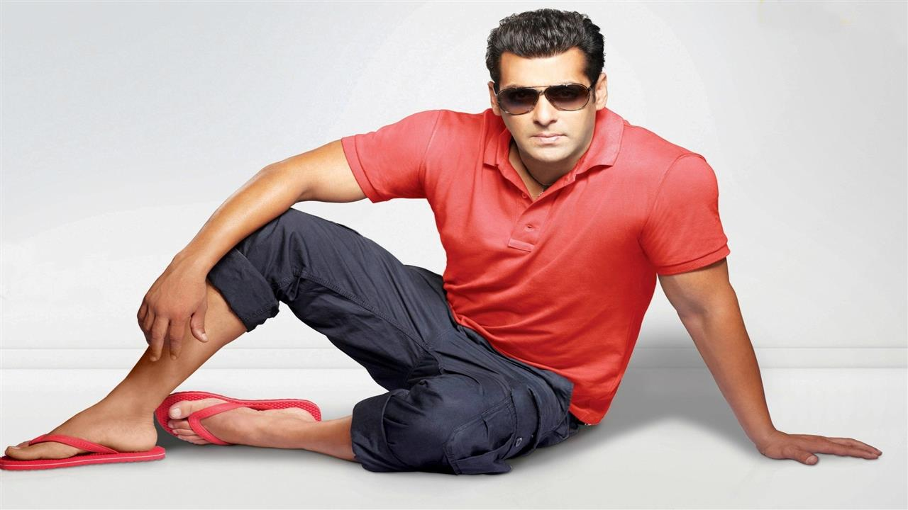 Salman_Khan_Sitting_in_red_Tshirt