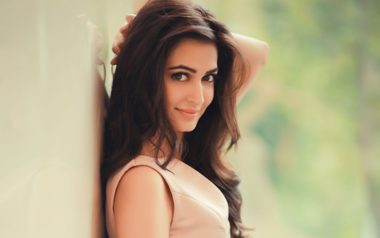 cute_kriti_kharbanda-1280x800