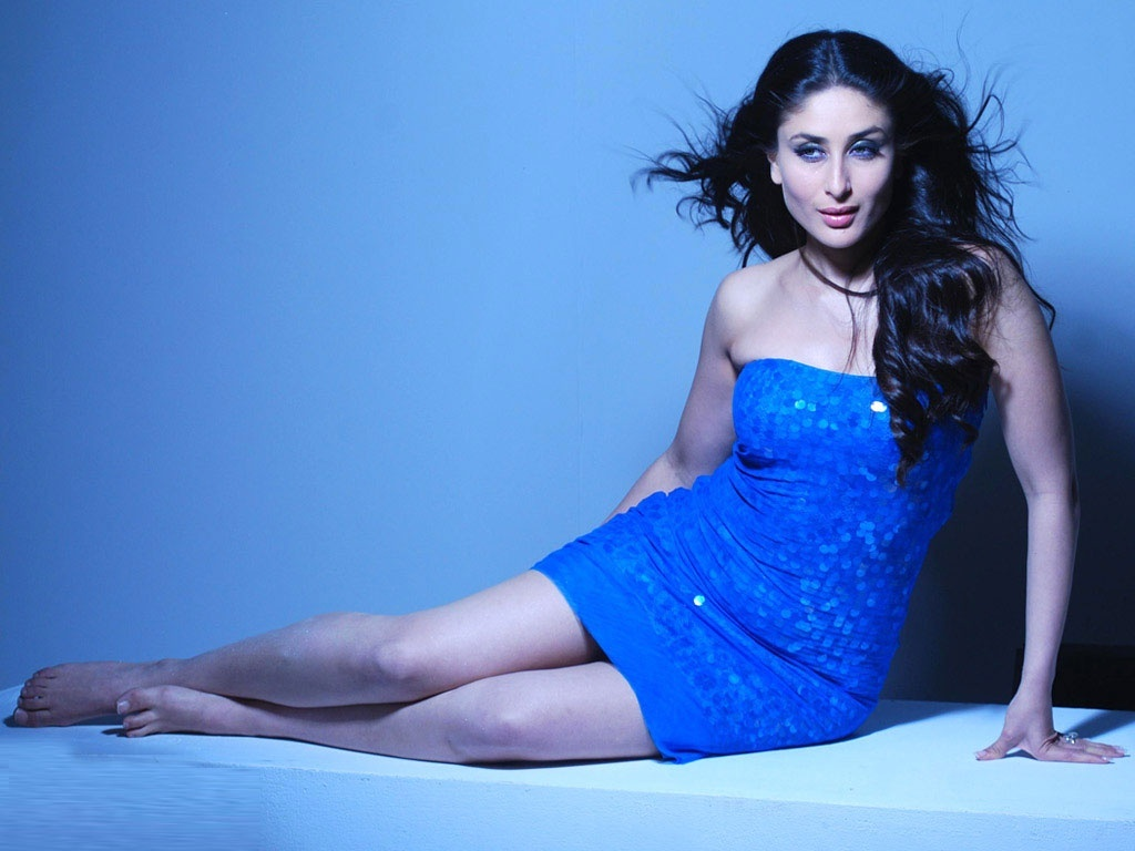 kareena_kapoor_blue_dress-1024x768